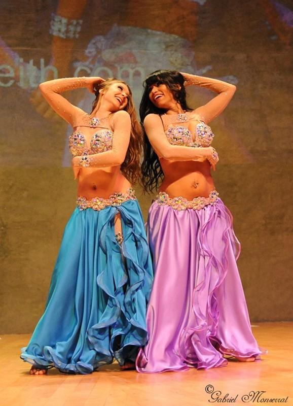 Munique Neith and Cira. Costumes by Olga Aida