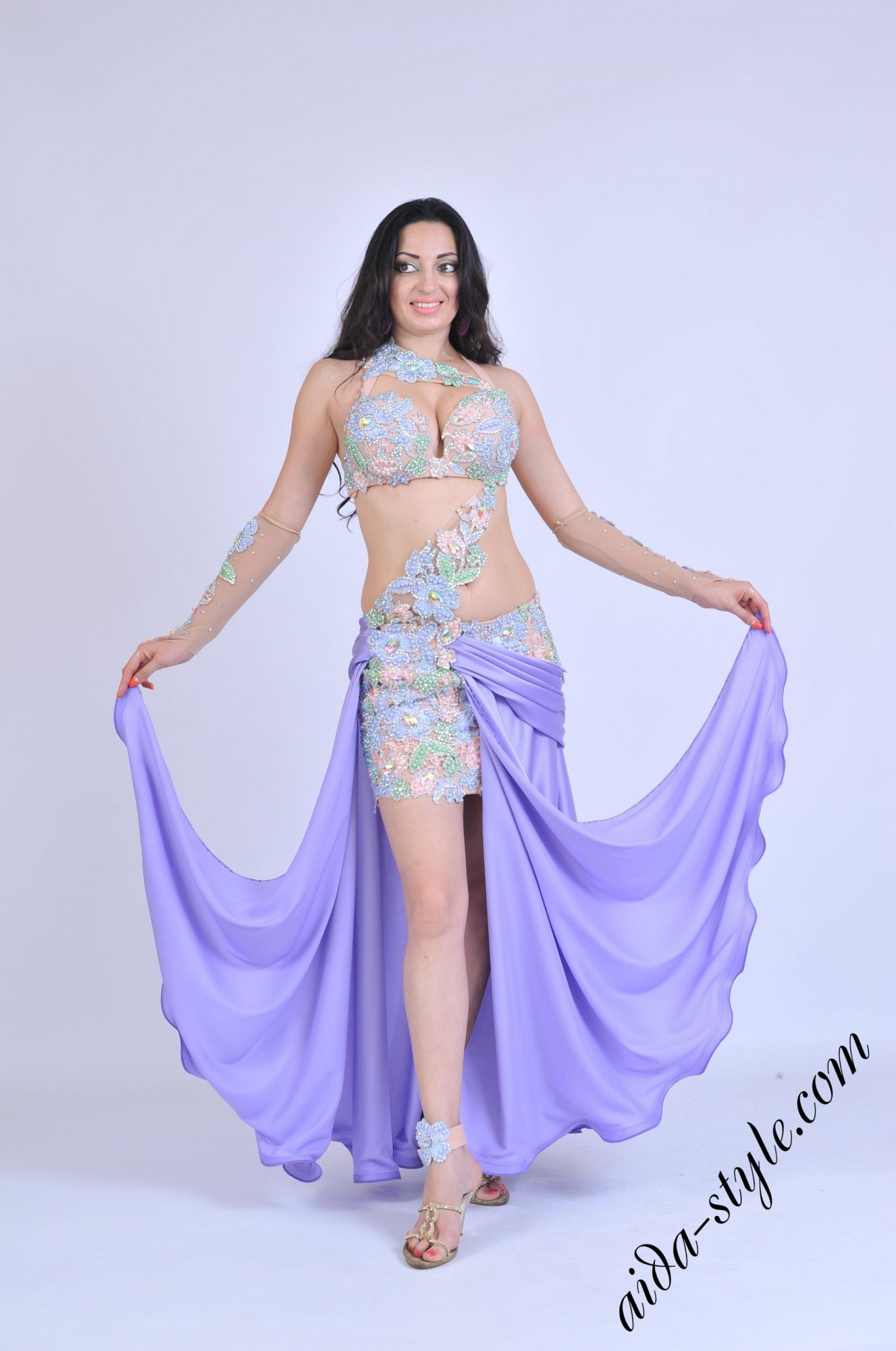 Lilac oriental outfit by Aida Style front view
