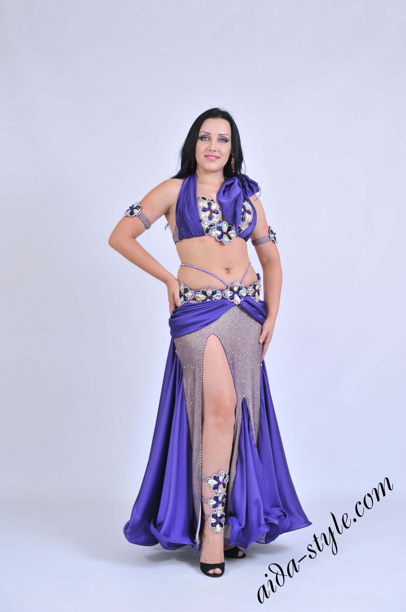 Purple belly dance outfit by Olga Aida with right side cut