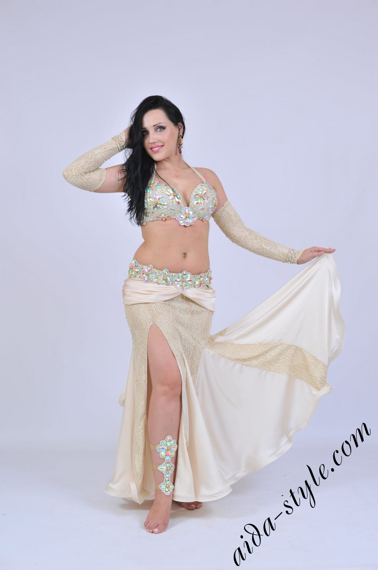 Belly dance costume with separate belt