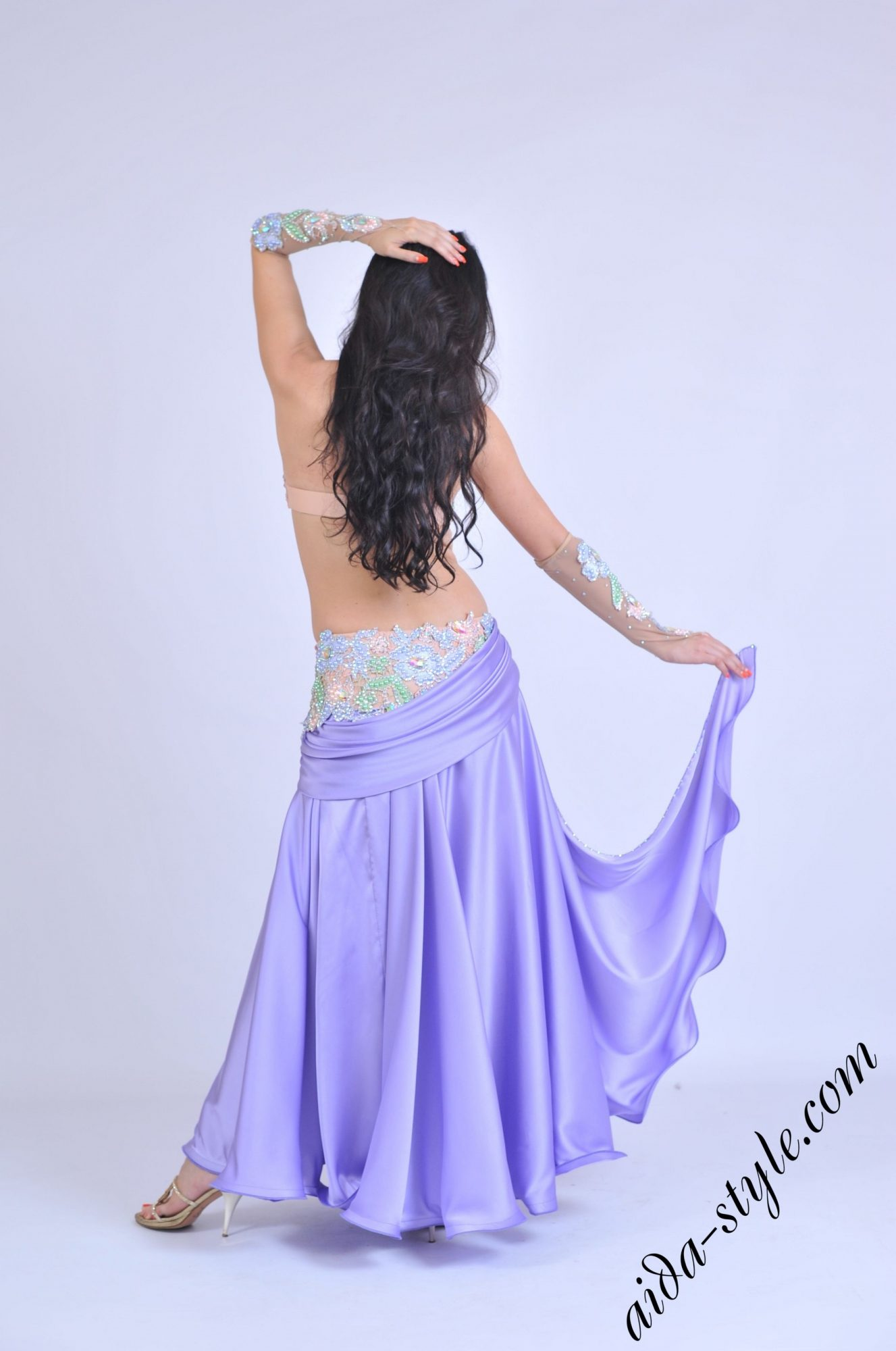 Lilac oriental outfit by Aida Style back view