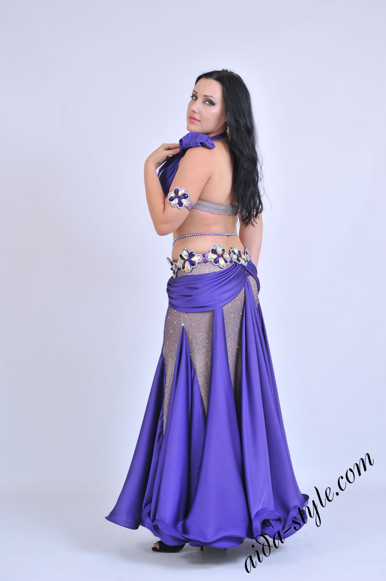 Purple belly dance outfit by Olga Aida with mermaid shape skirt