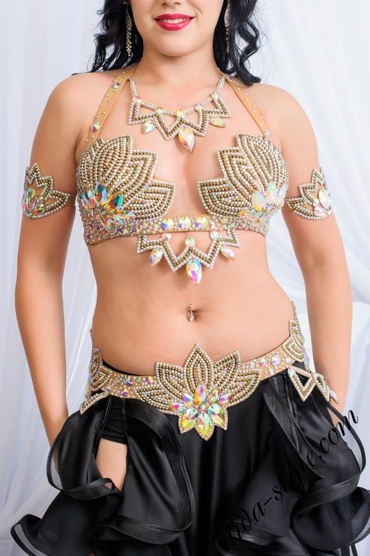Bra and belt set for belly dancing by Aida Style. Goes with black skirt