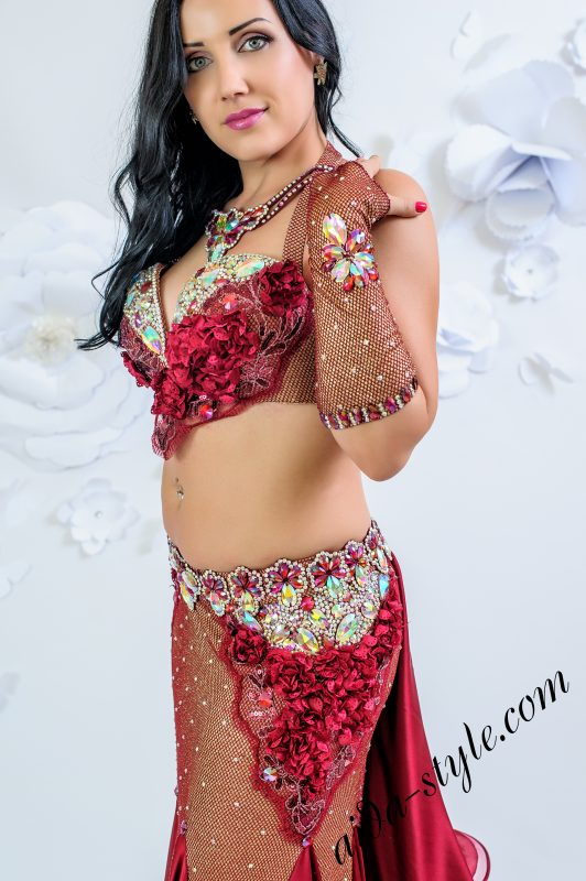Bordo belly dance costume by Olga Aida - close up