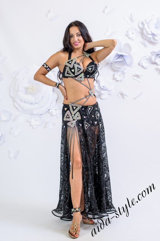 "Black ""triangle style"" belly dance costume by Olga Aida"