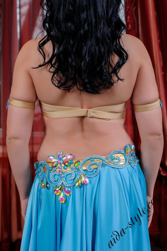 bellydance bra and belt in blue color, by Aida