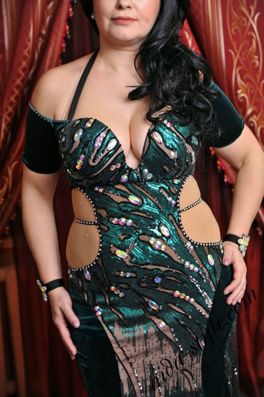 belly dance dress by Aida Style in dark green and black colors