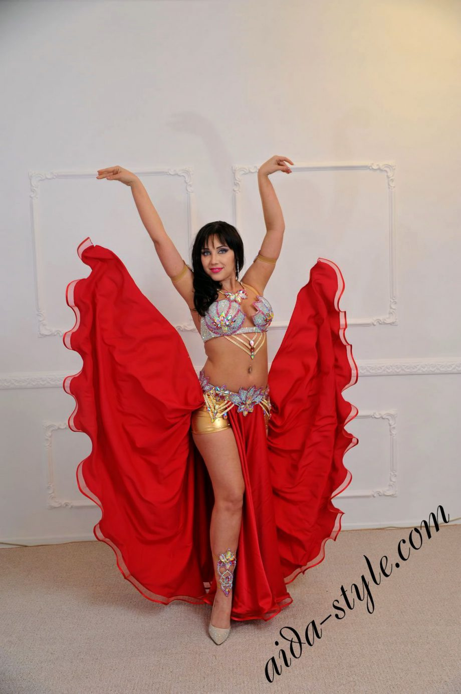 Bright red costume for belly dance by Aida Style with detachable belt