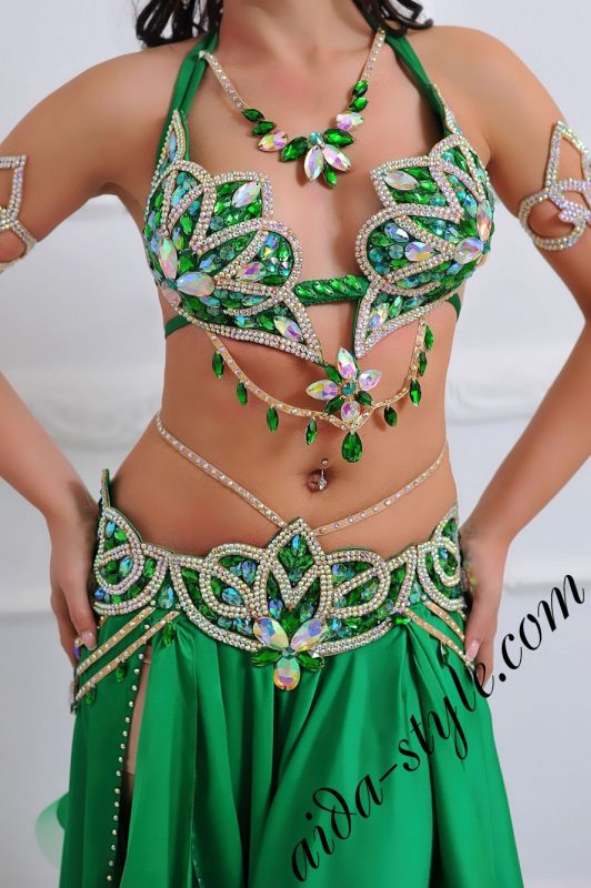 emerald green oriental costume with wide skirt to buy