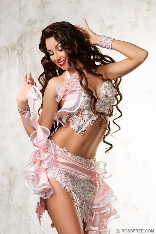 Designer's belly dance costumes and dresses by Aida Style