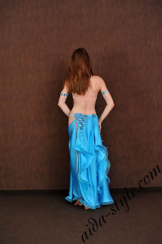 light blue oriental arab dress by aidastyle with nude hip and wide free skirt