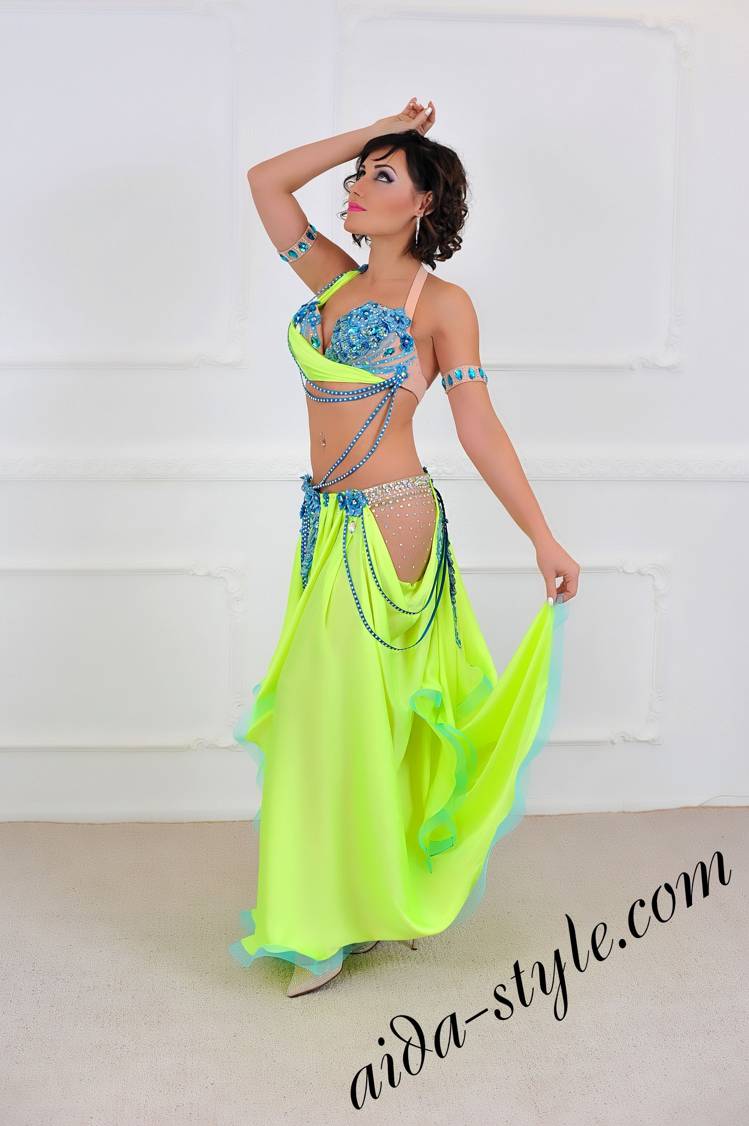 Super sexy belly dance