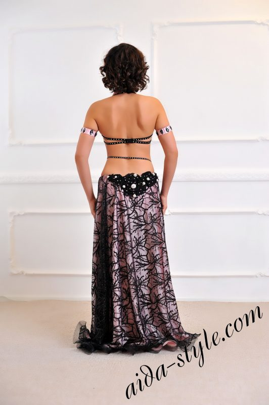 elegant pro oriental outfit, covered stomack, circular double skirt