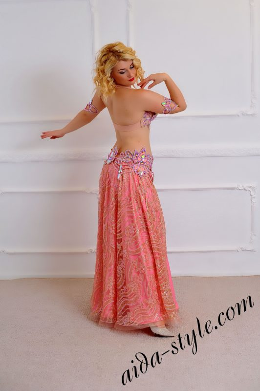 baby pink bra and belt set with wide circular sparkling skirt (1)
