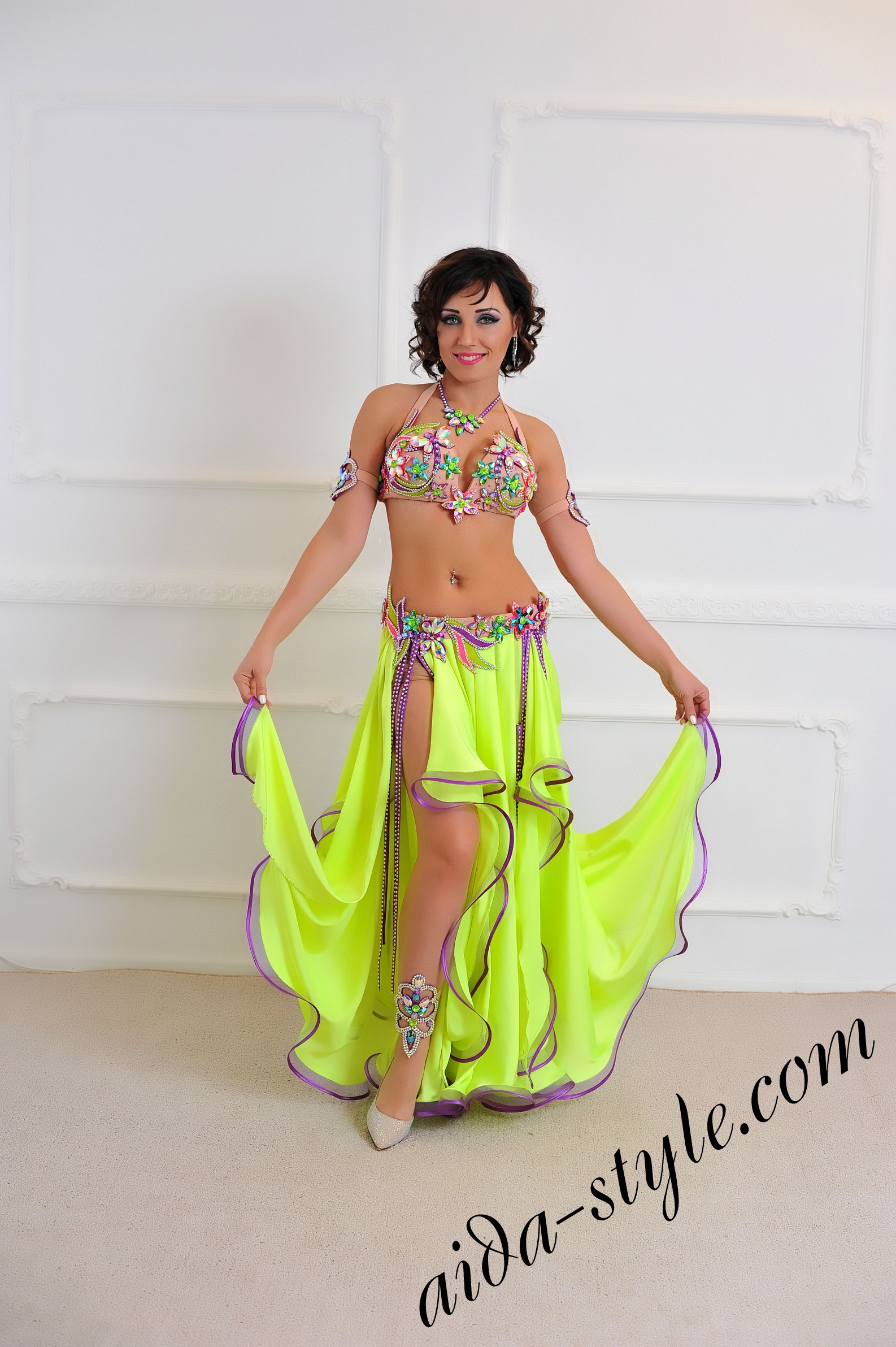 8f70c4048e18 oriental style belly dance costume for professional dancers (2 ...