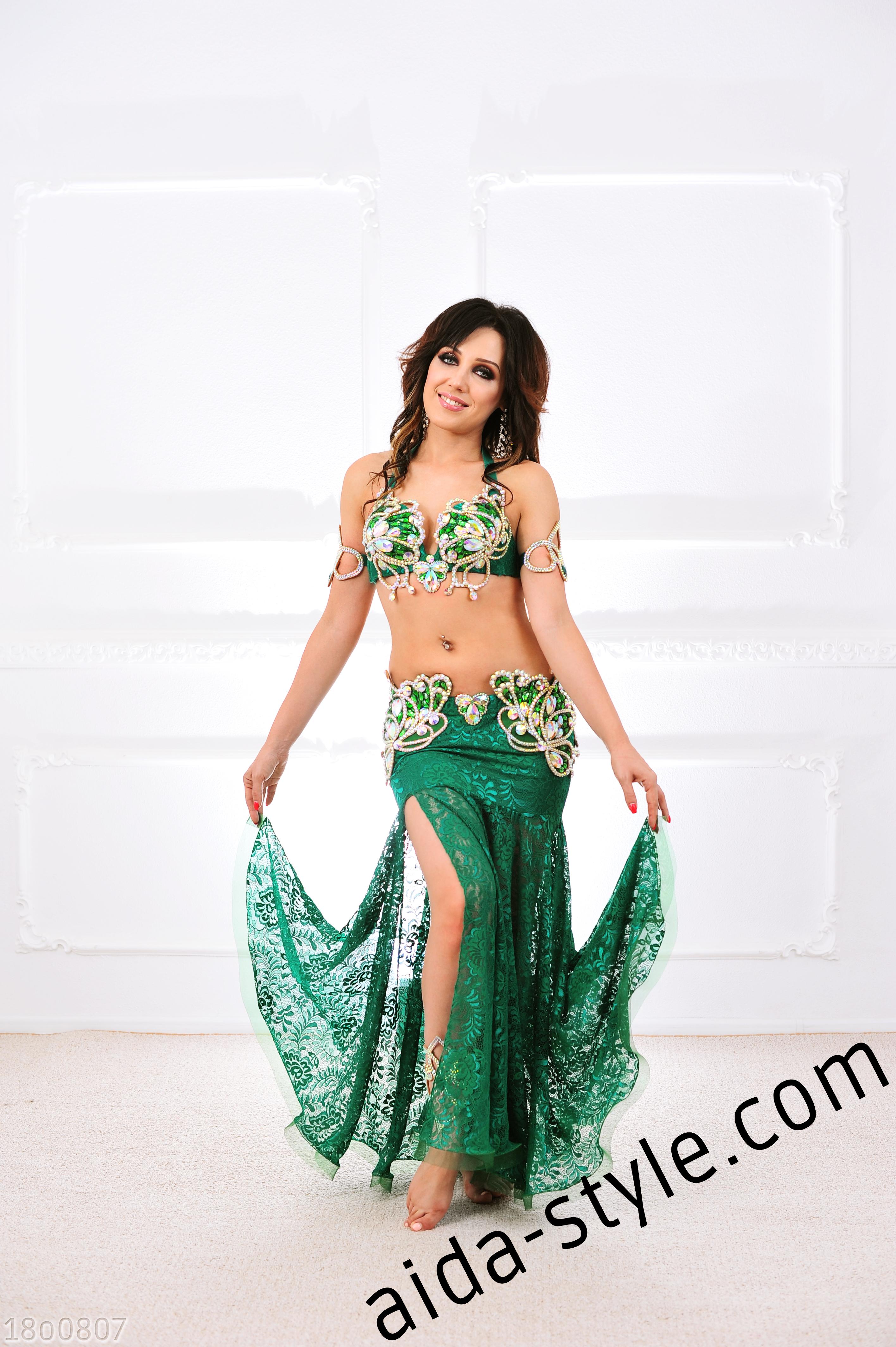 3fc2ac58735 Emerald Guipure Belly Dance Costume – Aida Style