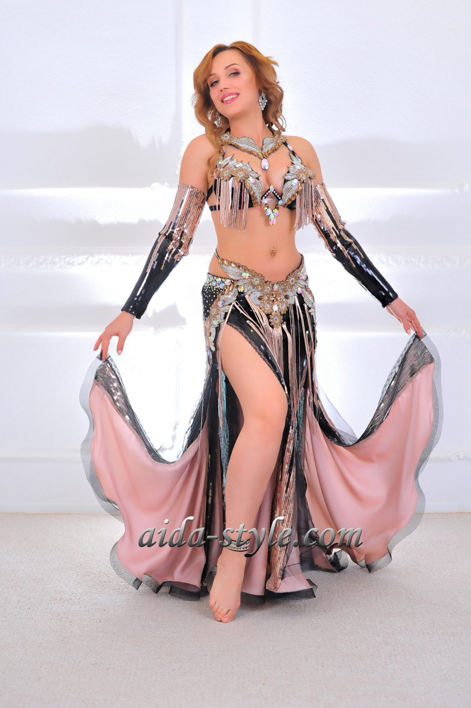black costume belly dance