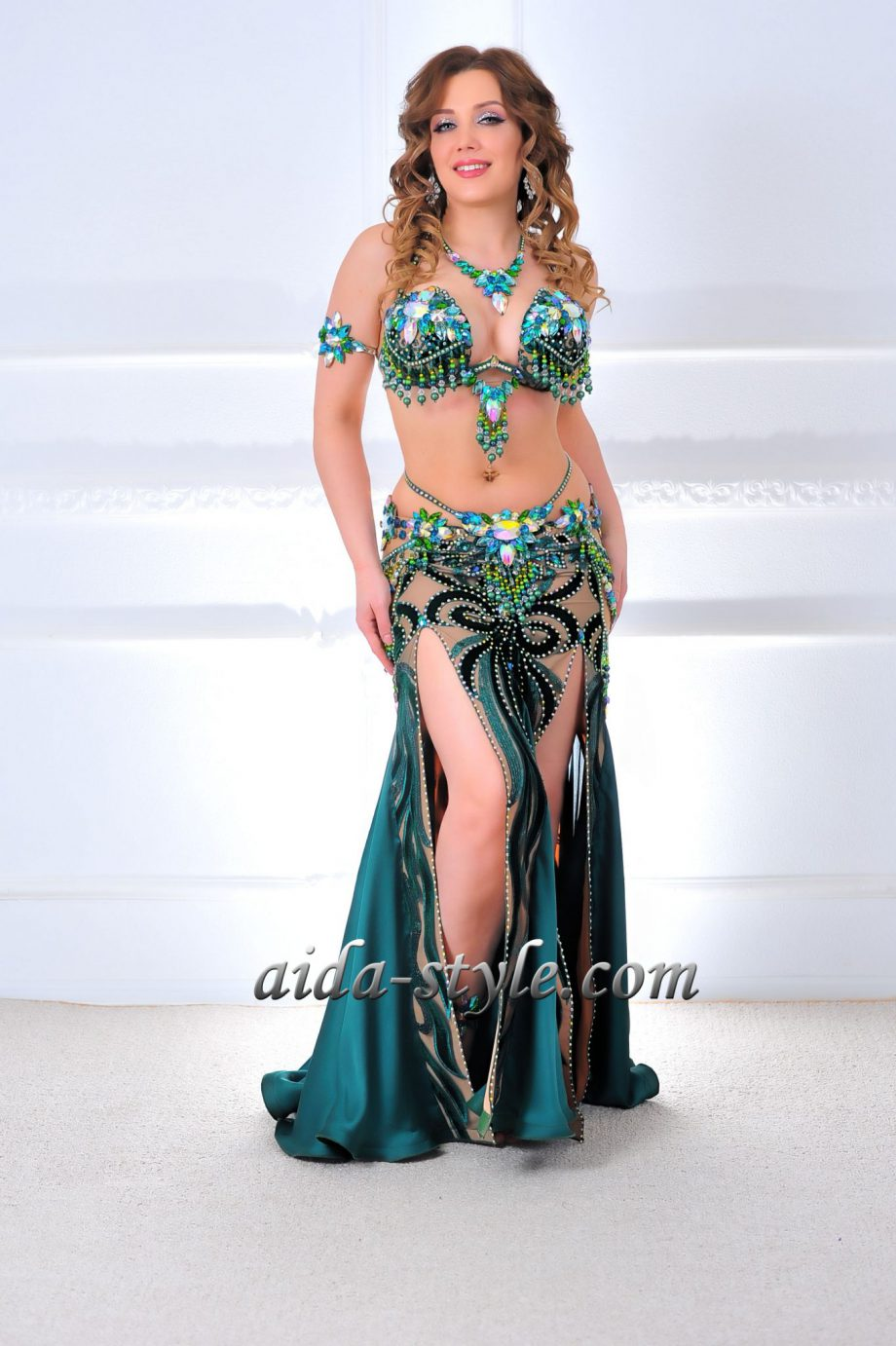 green belly dancing costumes