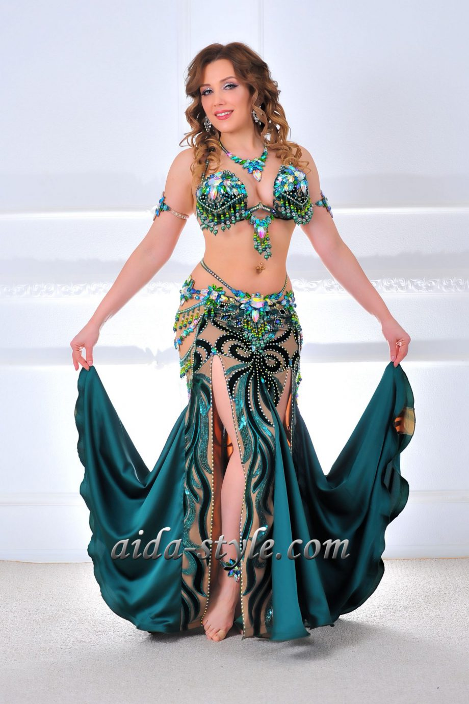 costumes for belly dancing green