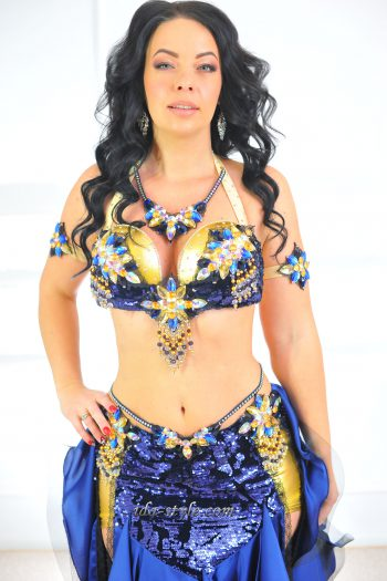 costumes for belly dancing