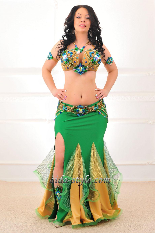 costume belly dancer